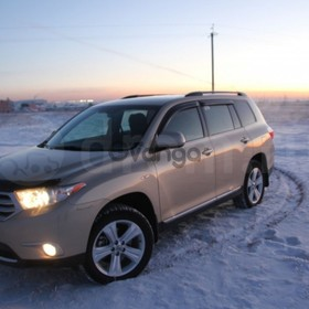 Toyota Highlander  3.5 AT (273 л.с.) 4WD 2013 г.