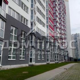 Продается квартира 2-ком 69 м² Драгоманова