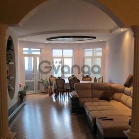 Продается квартира 4-ком 175 м² Войкова