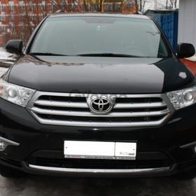 Toyota Highlander  3.5 AT (273 л.с.) 4WD 2011 г.