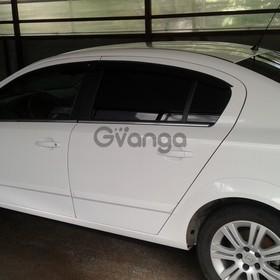 Opel Astra  1.8 MT (140 л.с.) 2012 г.