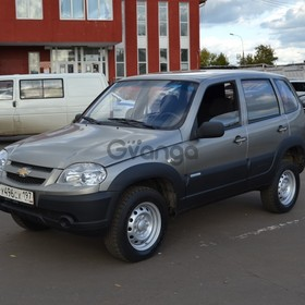 Chevrolet Niva  1.7 MT (80 л.с.) 4WD 2012 г.