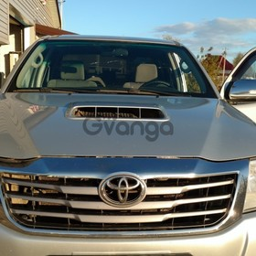 Toyota Hilux 3.0d AT (170 л.с.) 4WD 2012 г.