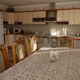 Продается квартира 3-ком 98 м² Макаренко