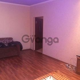 Продается квартира 2-ком 60 м² Виноградная ул.