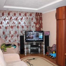 Продается квартира 3-ком 65 м² Космическая44