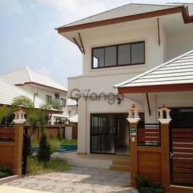 Продаю новый двух этажный дом в Таиланде ,г, Паттайя
