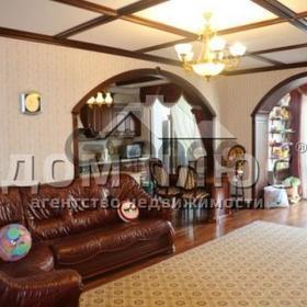 Продается квартира 3-ком 107 м² Ломоносова