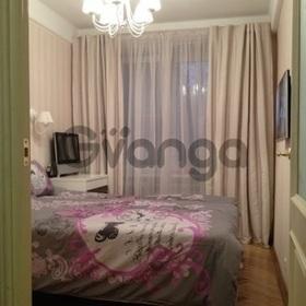 Продается квартира 2-ком 48 м² Островского ул.