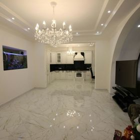 Продается квартира 2-ком 65 м² Роз ул.