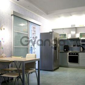 Продается квартира 3-ком 82 м² Островского ул.