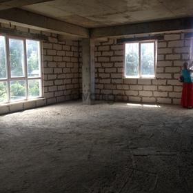 Продается квартира 3-ком 90 м² Вишневая ул.