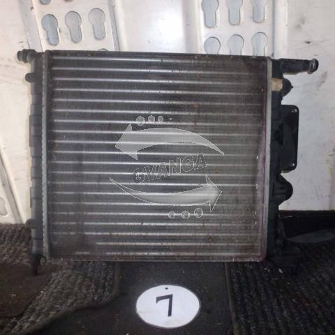 Радиатор Renault Megane