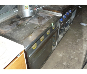 Продам плиту 4-х комфорочную Кий-В ПЕД-4 б/у в ресторан, кафе, общепит
