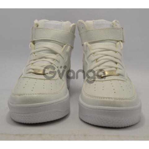 Продаю дешево кроссовки  Nike Air Force white!!!