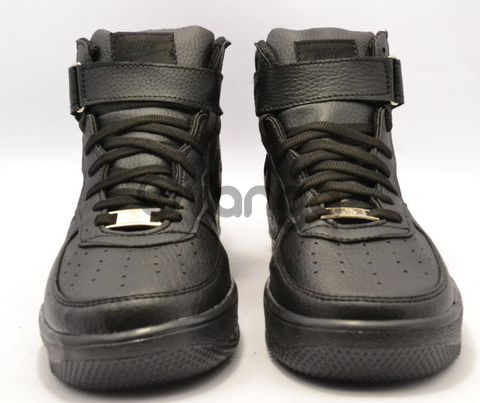 Срочно продаю кроссовки  Nike Air Force black